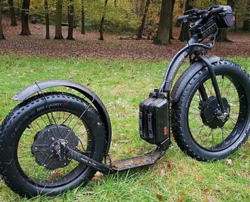 Trottinette Fat électrique, double moteur roue avant et arrière, batterie cadre